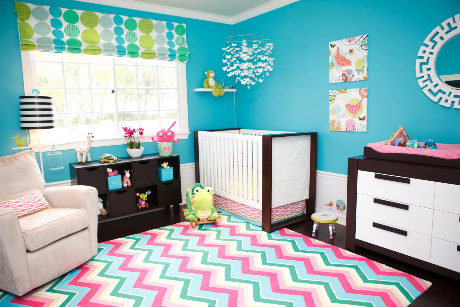 Бирюзовая комната для новорождённых
