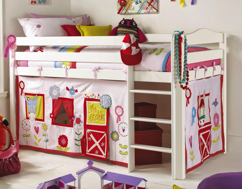 Детская кровать домик для девочки - внизу игровая