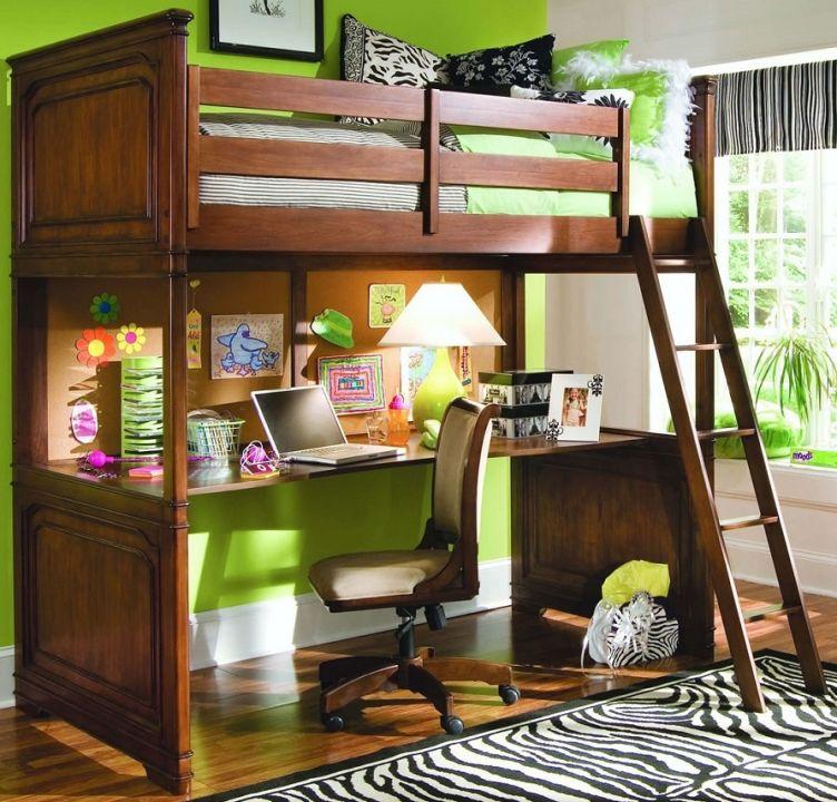 Кровать чердак для мальчика с рабочей зоной