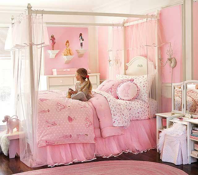 Розовая детская комната для девочки