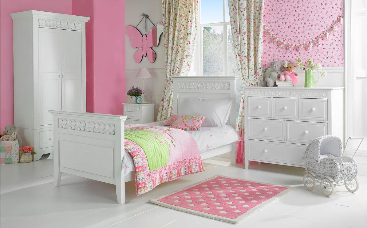 Бело розовая детская
