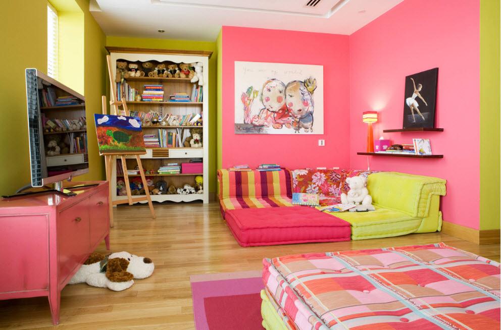 Желто розовая детская