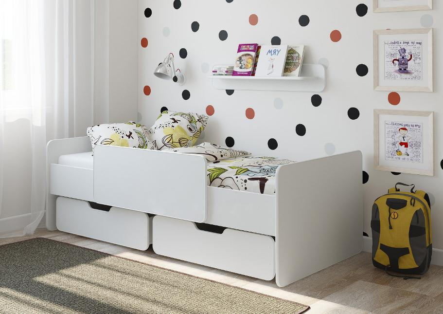 белая детская кровать с ящиками