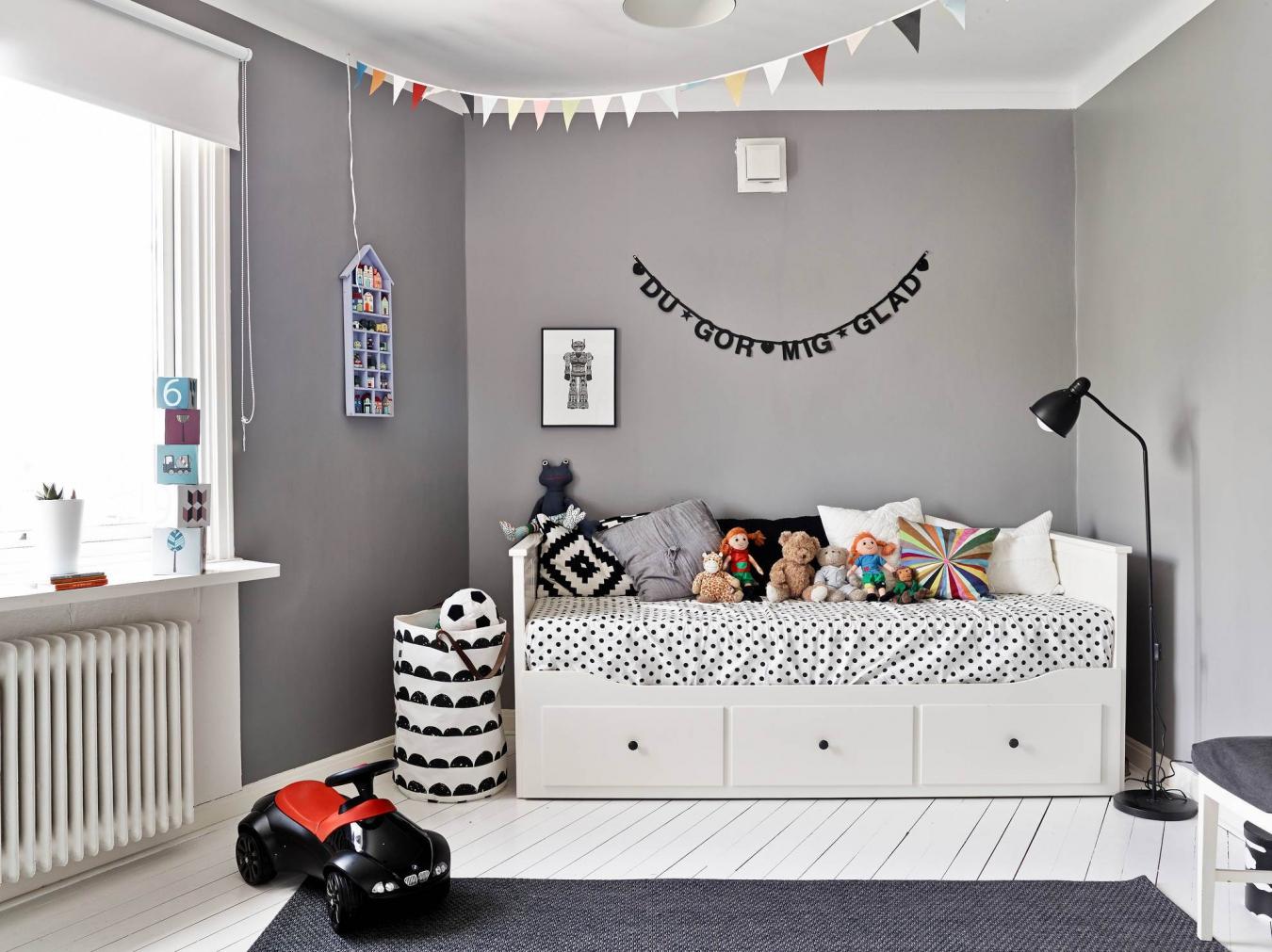 кровать с ящиками скандинавский стиль