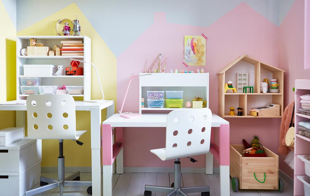 Хранение игрушек под письменным столом
