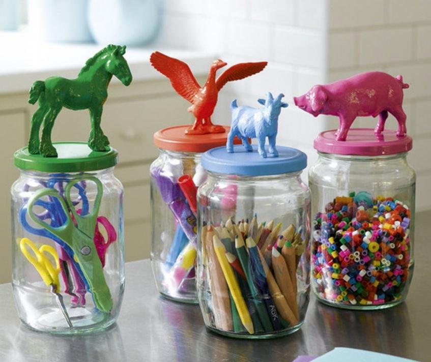 хранение маленьких игрушек в банках