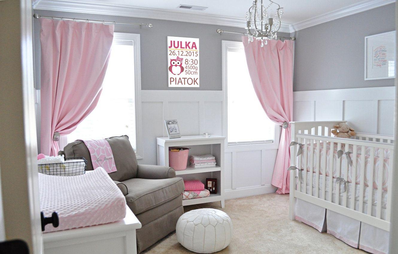 Серо-розовый интерьер детской