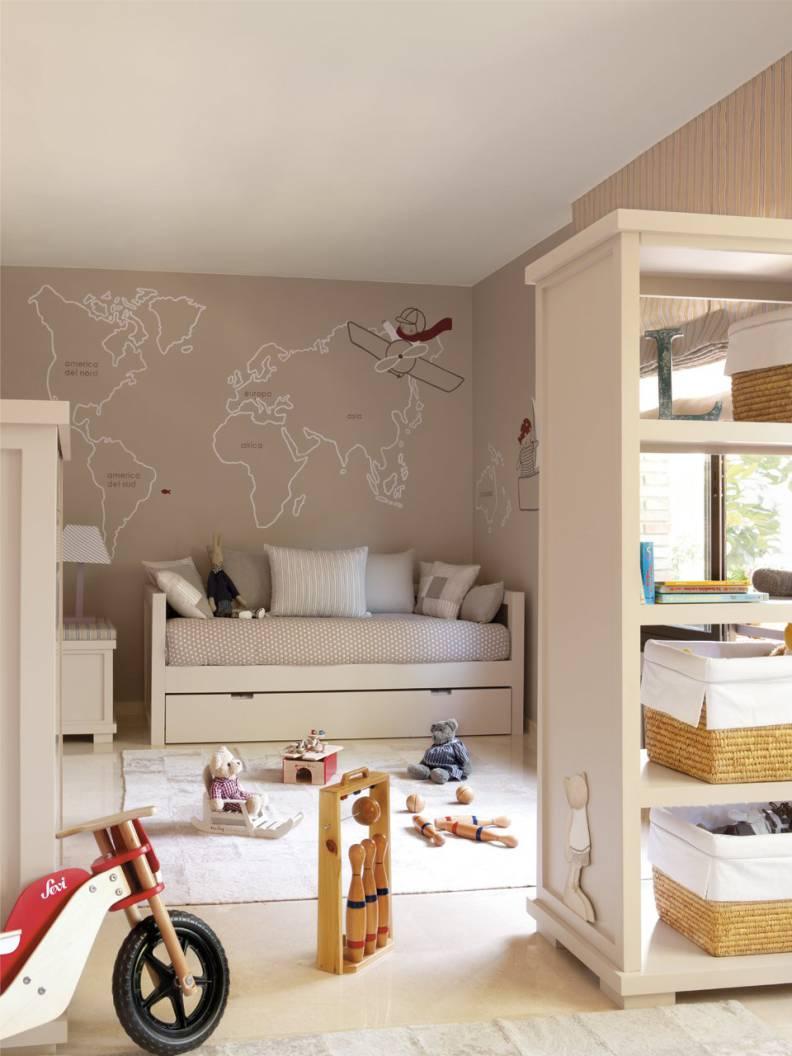 Интерьер детской комнаты в светлых тонах для мальчика