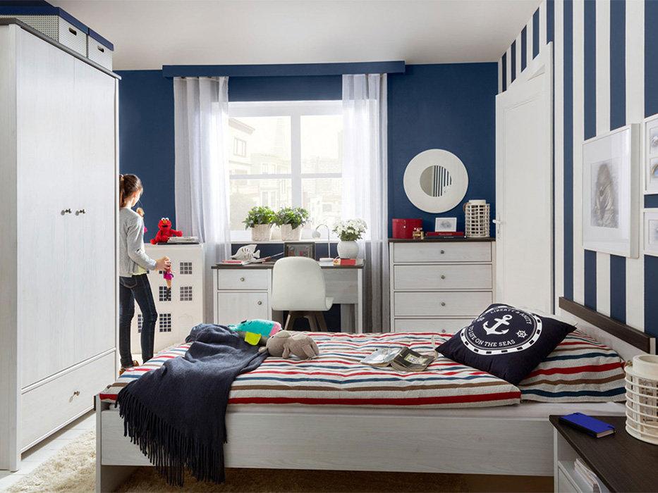 Мебель в детскую в светлых тонах