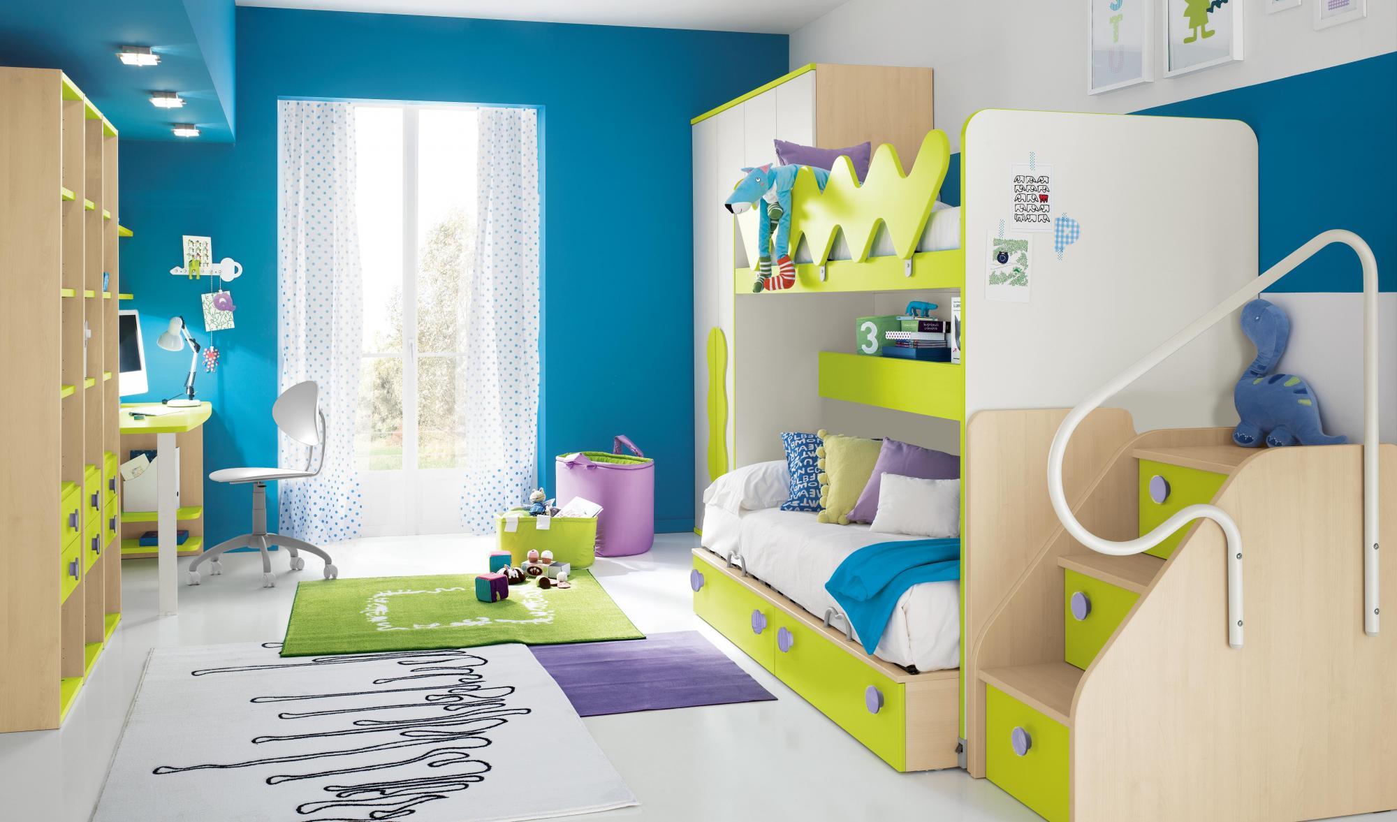 двухярусная кровать с выдвижными ящиками