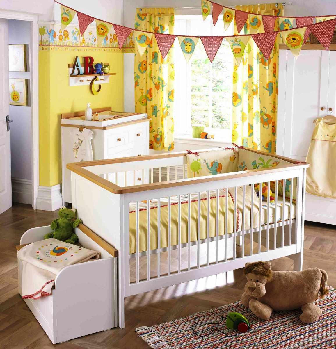 украсить комнату новорожденного на день рождения